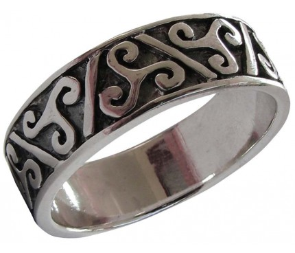Celtic triskels ring