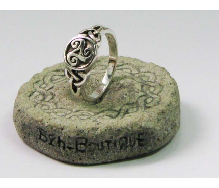 Triskel and knotwork ring